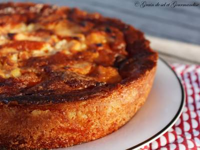 Gâteau croustillant-fondant aux coings