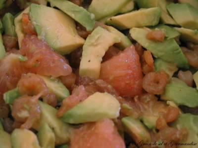 Salade d'Avocats-Pamplemousse et Crevettes Epicées
